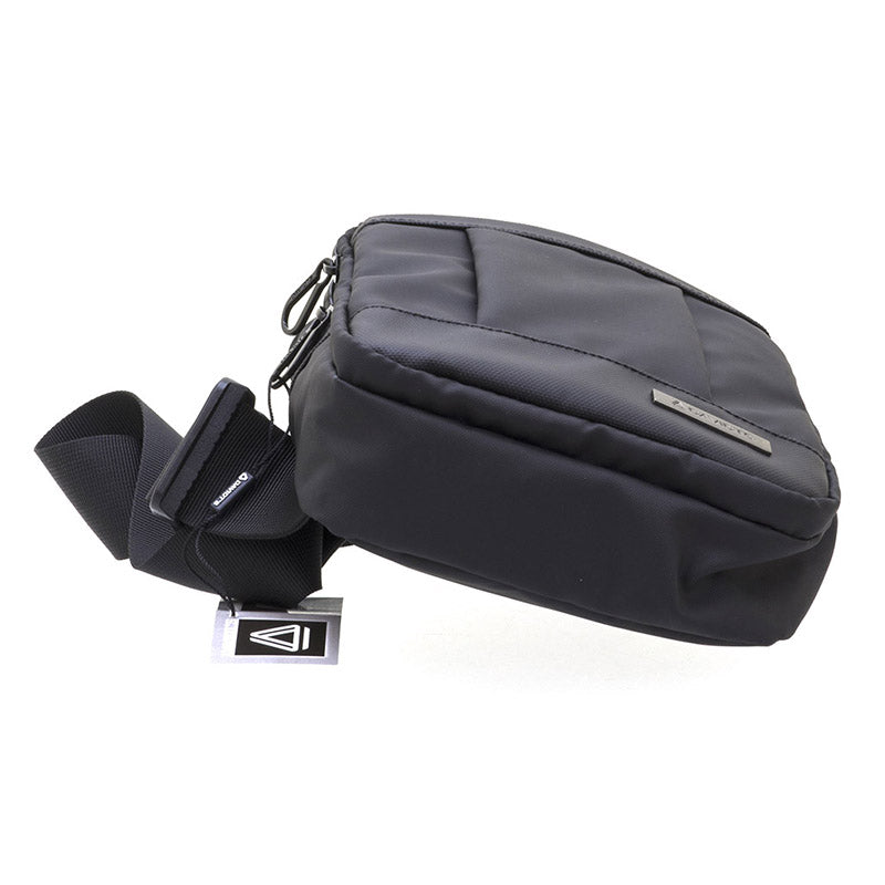 ESCAPE Shoulder Bag