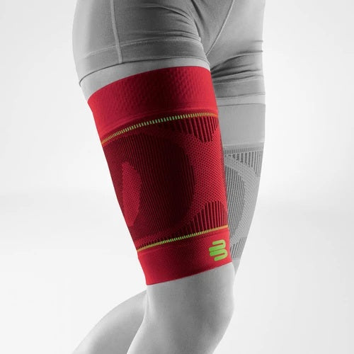 Bauerfeind Sports upper leg compression sleeves for strength and support. In a colour combination of red and black, and is wore on both right and left leg it has a logo of Bauerfeind Australia. Considered one of their best leg compression sleeves for sports.