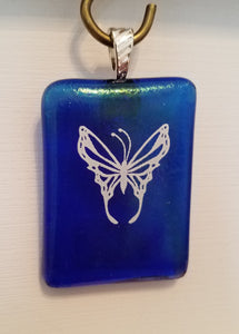 fused-glass-pendant-butterfly-white-iridescent-blue