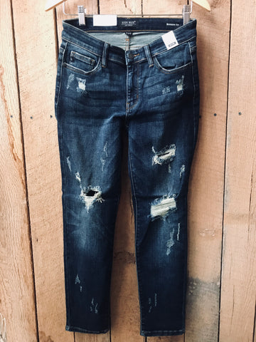 Light destroyed boyfriend jean