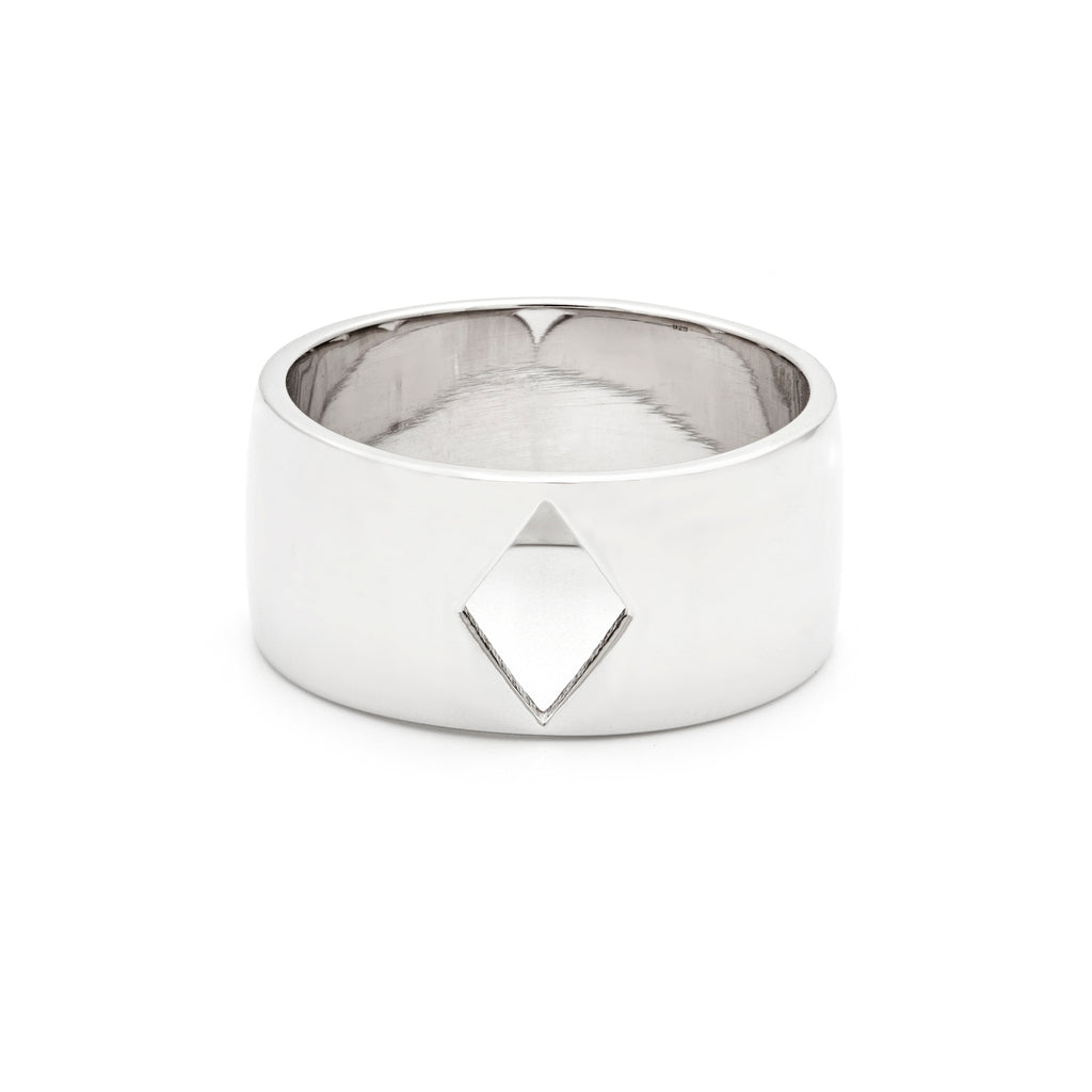 Silver cigar ring with diamond cut-out