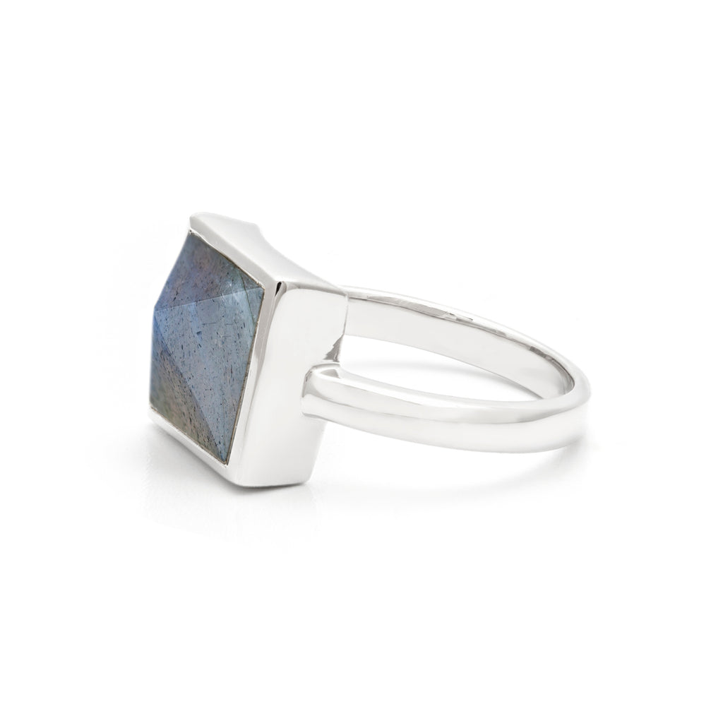 Side view of Pyramid Ring in Silver