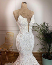 Load image into Gallery viewer, Vintage Lace Mermaid Wedding Dress Sexy Deep V Neck Backless Beads Pearls Wedding Gowns Gelinlik Vestidos De Novia