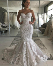 Load image into Gallery viewer, Sweetheart Lace Mermaid Wedding Dress Sexy Backless Wedding Gowns Gorgeous Buttons Back Bride Dress robe