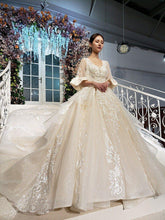 Load image into Gallery viewer, sparkly princess wedding dress with lace o-neck tassel half sleeve luxury ball wedding gowns new fashion robe de mariée