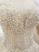 Load image into Gallery viewer, Top Pearl Wedding Dress Real Hand Made Vintage Wedding Dress Under Dress With Pearl Wedding Gowns