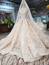 Load image into Gallery viewer, luxury sexy strapless wedding dresses lace champagne appliques ball gown Wedding Gowns with wedding veil