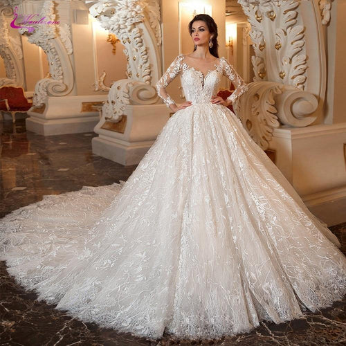 Gorgeous Appliques Chapel Train Ball Gown Wedding Dress Luxury Scalloped Neck Princess Bridal Gown