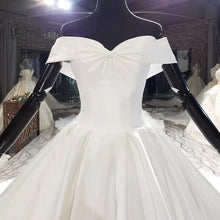 Load image into Gallery viewer, Simple Off White Satin Sweetheart Bow Wedding Dresses Off The Shoulder Ball Gowns sukienki dlugie na wesele