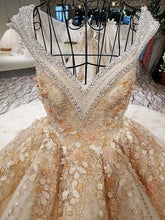 Load image into Gallery viewer, Luxury wedding dress V-neck ball gown lace up back champagne elegant bridal wedding gowns with long train