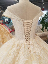 Load image into Gallery viewer, big puffy skirt ball wedding dress o neck cap sleeves 3d flowers dress for wedding
