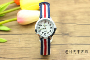 kids simple face quartz watch little boys and girls learn to time casual leather watch birthday Xmas gift clock