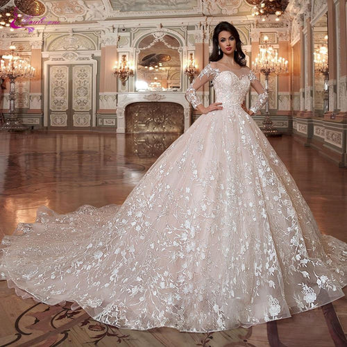 Ball Gown Wedding Dress With Elegant Lace Appliques Princess Type Wedding Gown