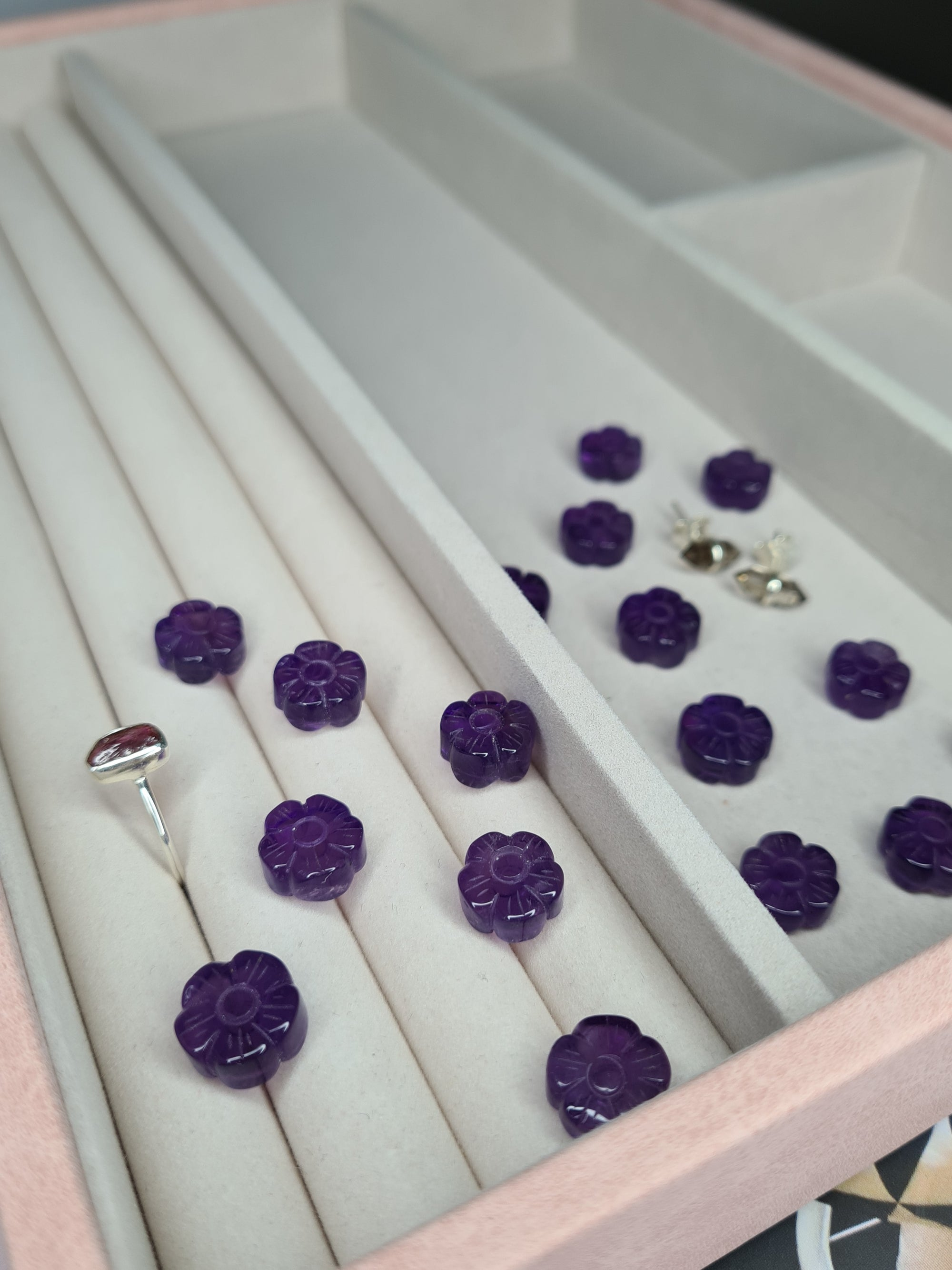 mini amethyst flower carvings