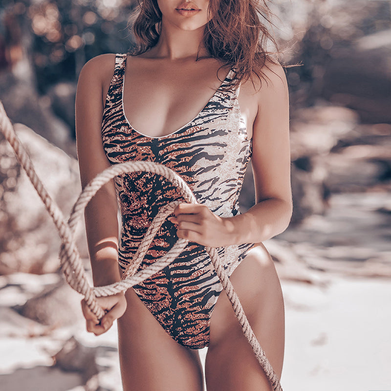 Retro Leopard One Piece Swimsuit Female Sexy Backless Swimwear Women Bathers Monokini Bodysuit One Piece Suits New