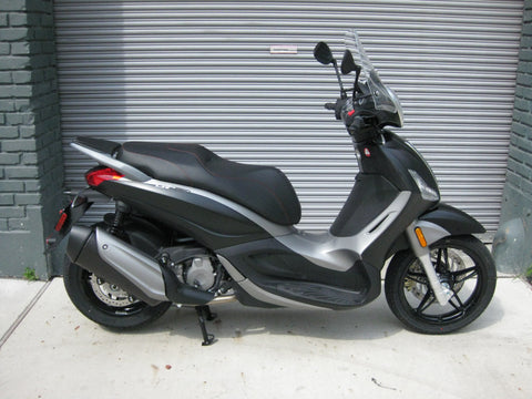 2016 Piaggio BV350 - Matte Black - Factory Sale