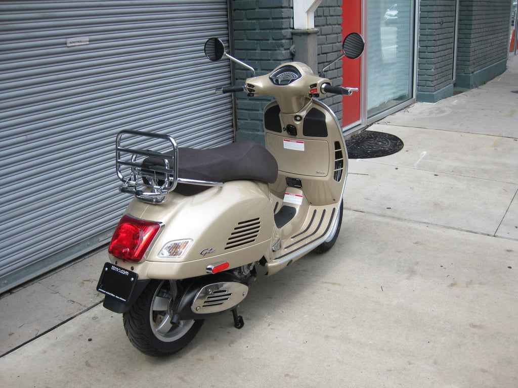 2018 vespa gts 300 beige eleganza the transportation revolution new orleans ttrno. Black Bedroom Furniture Sets. Home Design Ideas