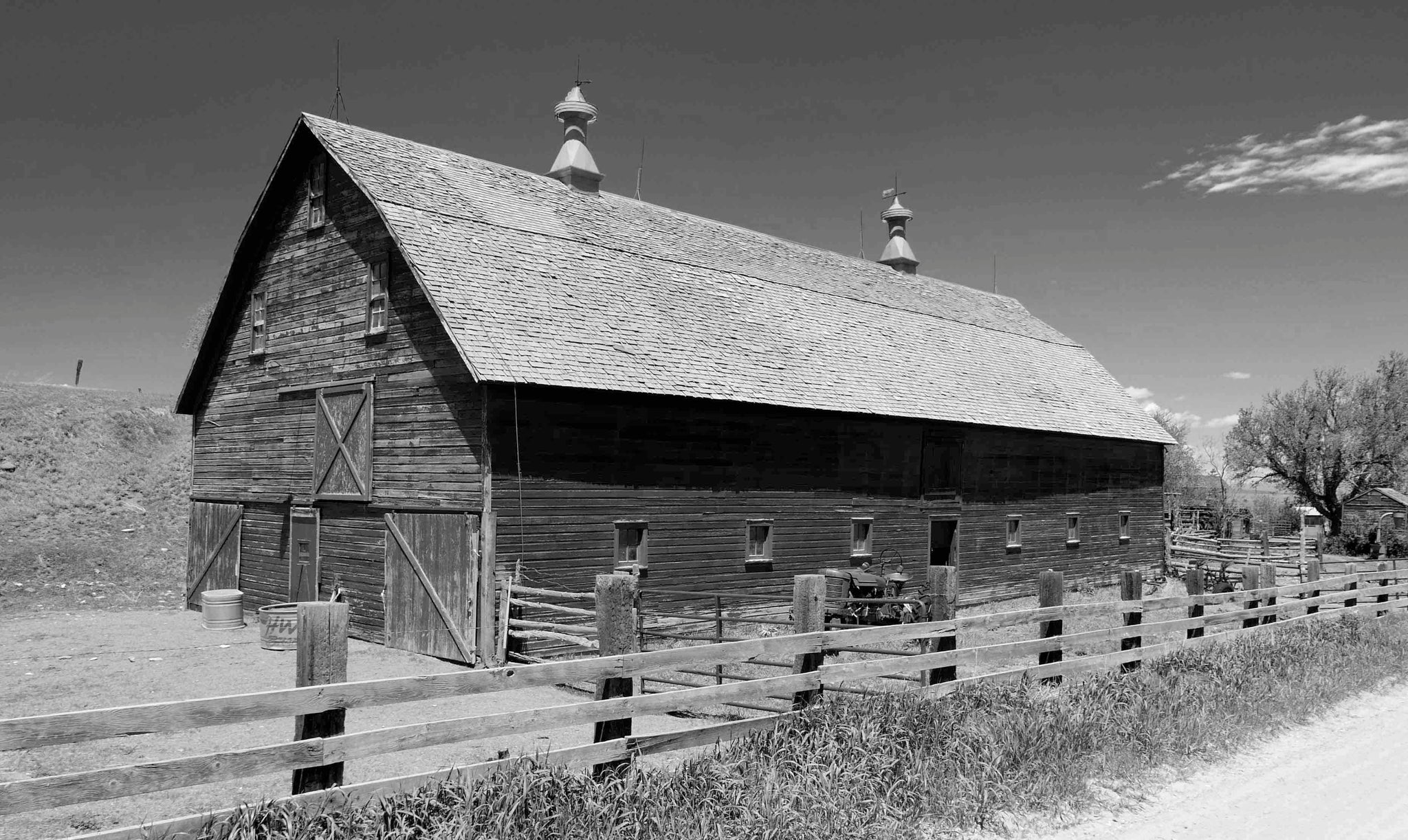 Colorado Barn BW - Artistic Transfer, LLC