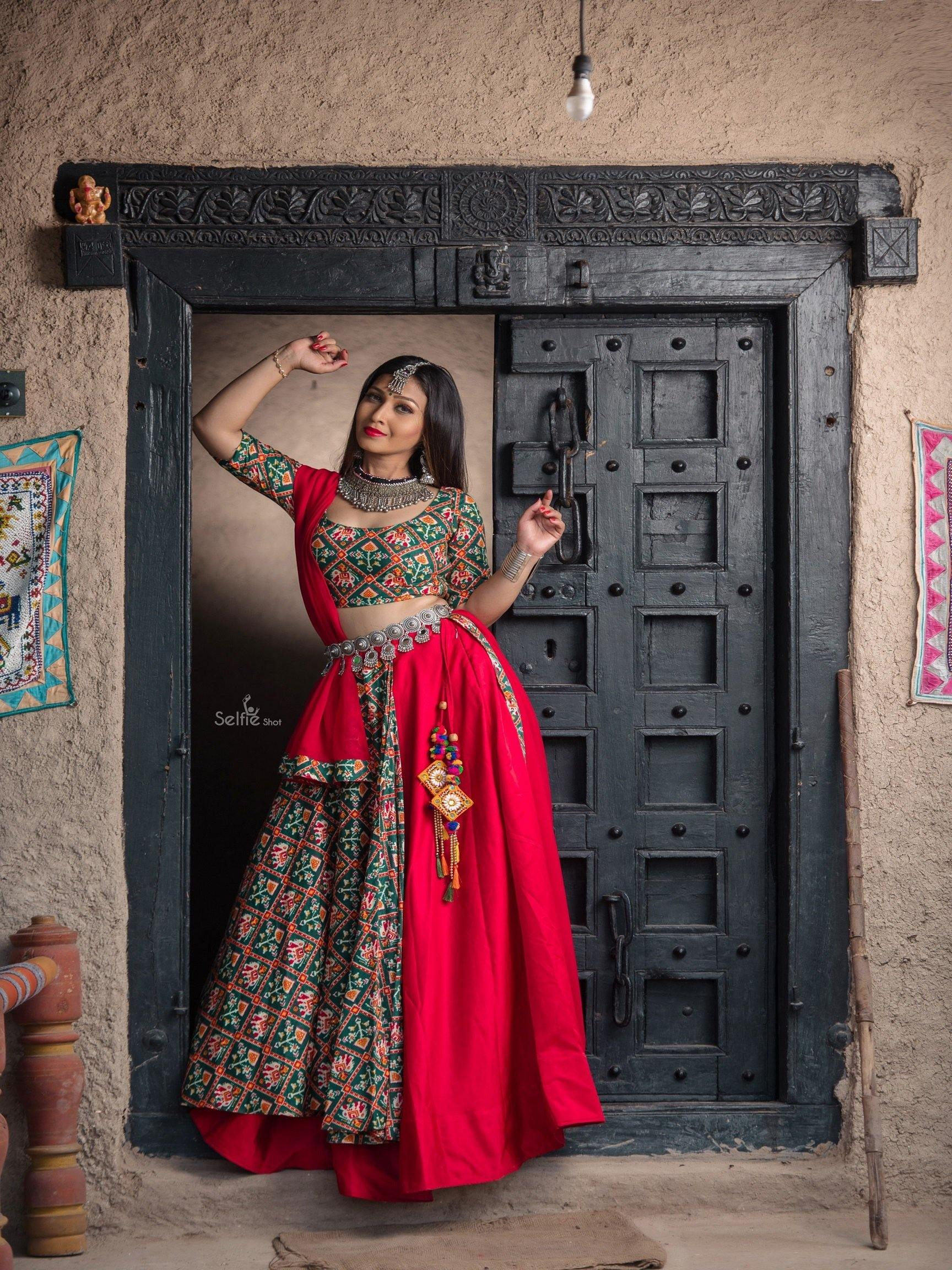 Checkered Pattern Chaniya Choli in Green and Red