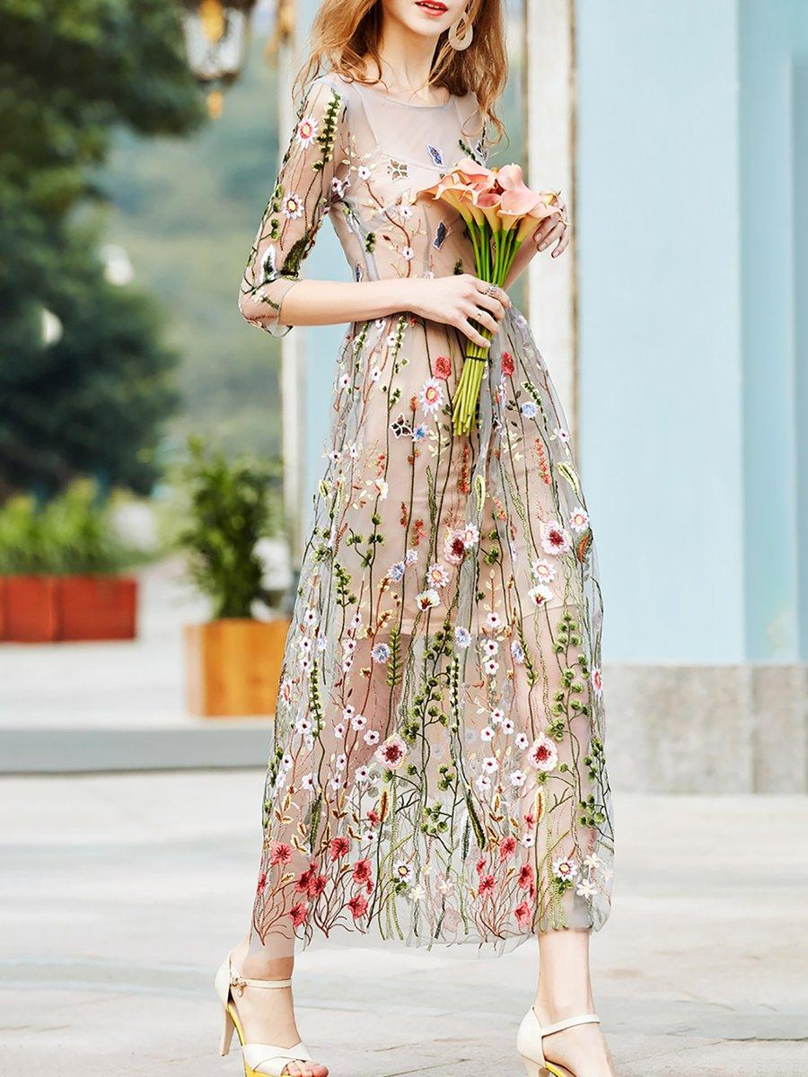 a89c61fe02d Vintage Floral Embroidered Evening Maxi Dress - M   123717 One Color