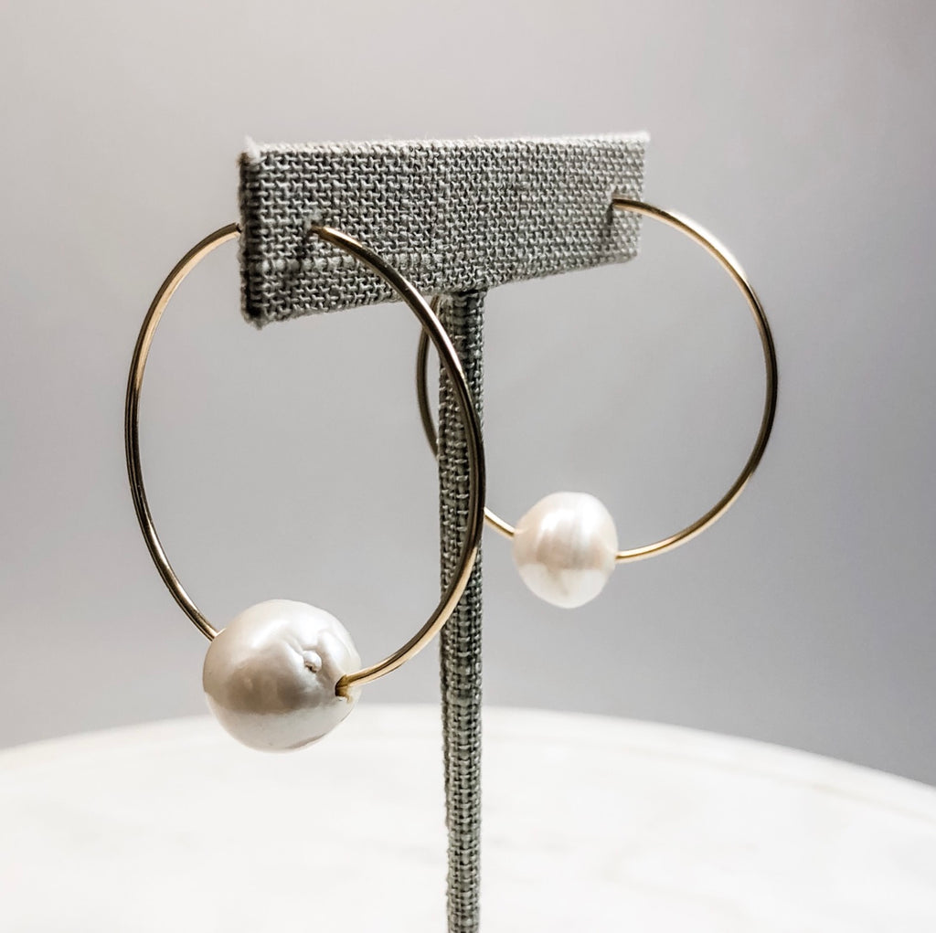 Fresh Water Pearls | Gold Hoop Earrings