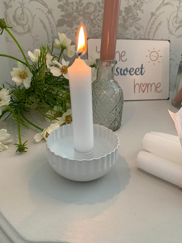 Scallop edge Candle Holder ... white