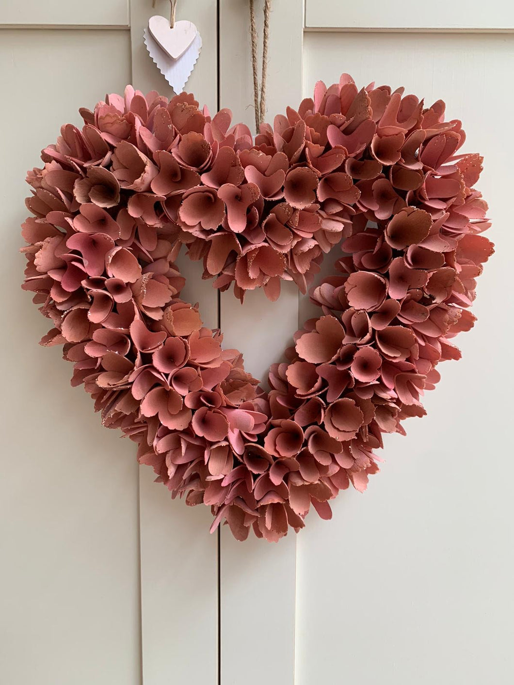 Hanging heart pink Petal Wreath