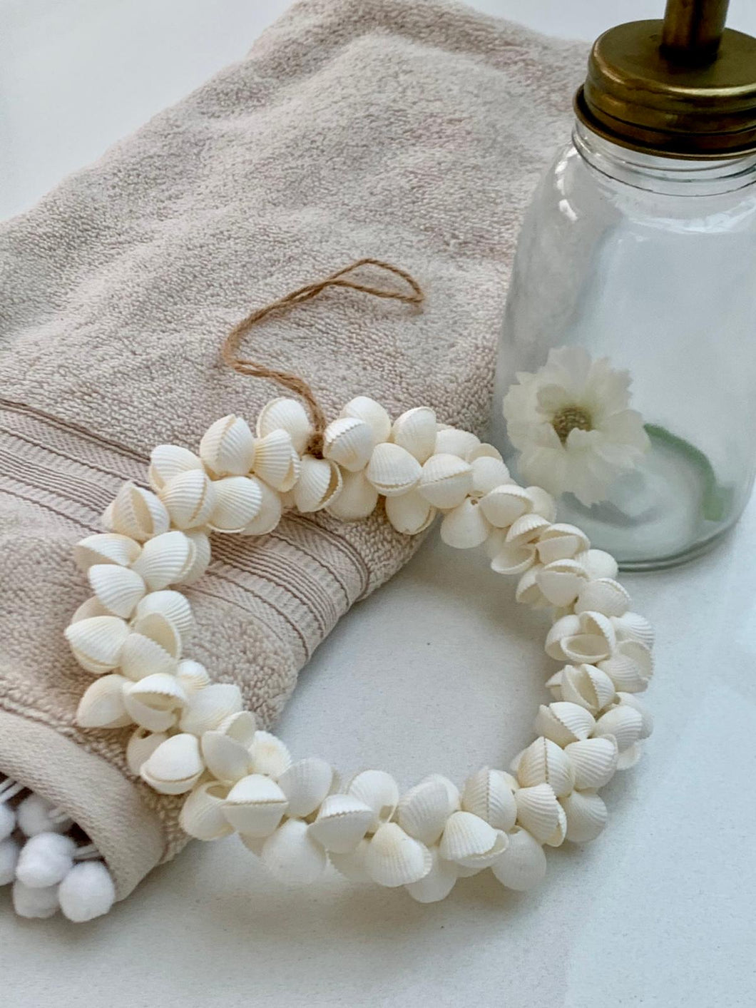 Dreamy clam shell wreath