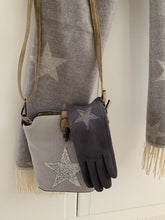 Load image into Gallery viewer, Cosy Star Blanket Scarf ... Light Grey