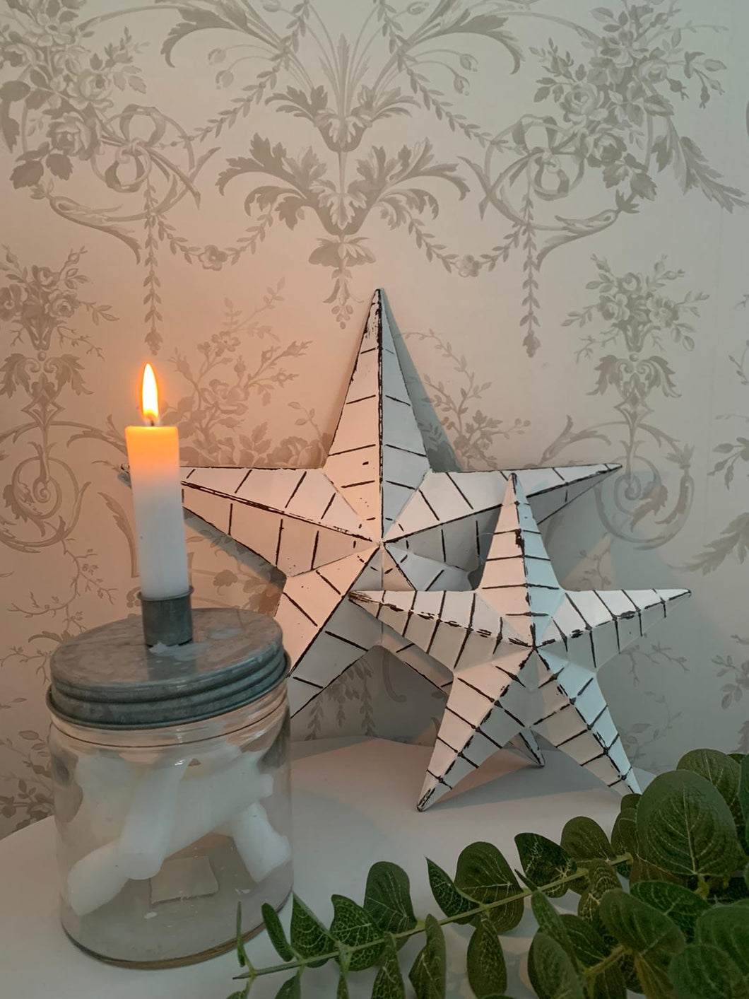 White ridged barn star ... 2 sizes
