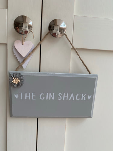 Floral detail drinks plaque ... The Gin Shack