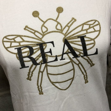 Bee Real Tee in ice white with metallic gold bee detail