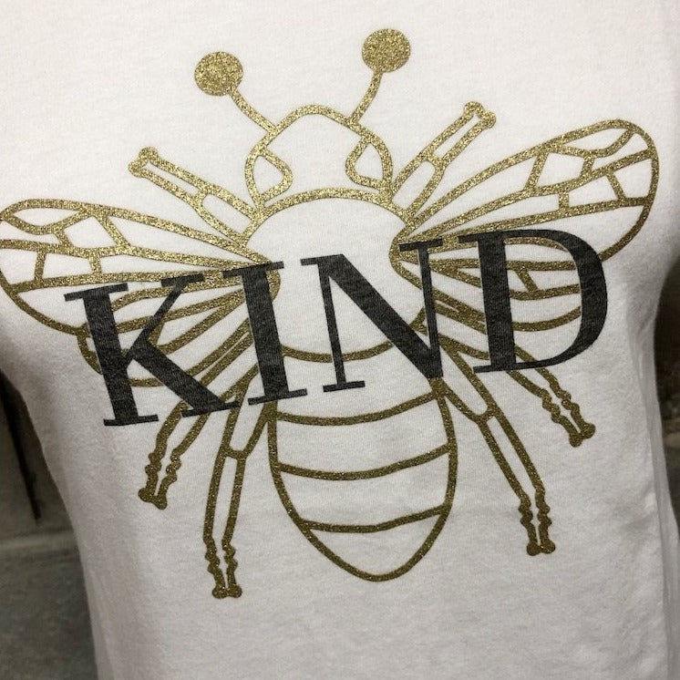 Bee Kind Tee in ice white with metallic gold bee detail