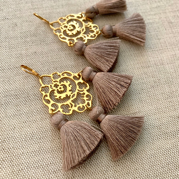 Rita Tassel Earrings Mocca