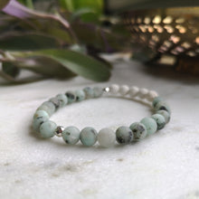 Load image into Gallery viewer, Kiwi Jasper Essential Oil Diffuser Bracelet