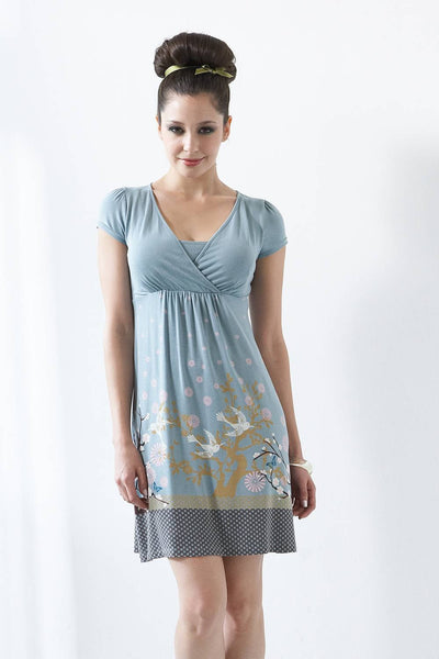 The beauty of the Wrap Sleeveless is that it is not only a beautiful maternity dress, but it also is a discreet and comfortable nursing dress, as well . This will quickly become a staple in nearly anyone's collection of clothes for both maternity and nursing.