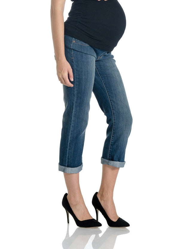 Your maternity capsule wardrobe wouldn't be complete without these Light Wash Skim Boyfriend Maternity Jeans. Cut close to the figure, they create a stylish, streamlined look that is .