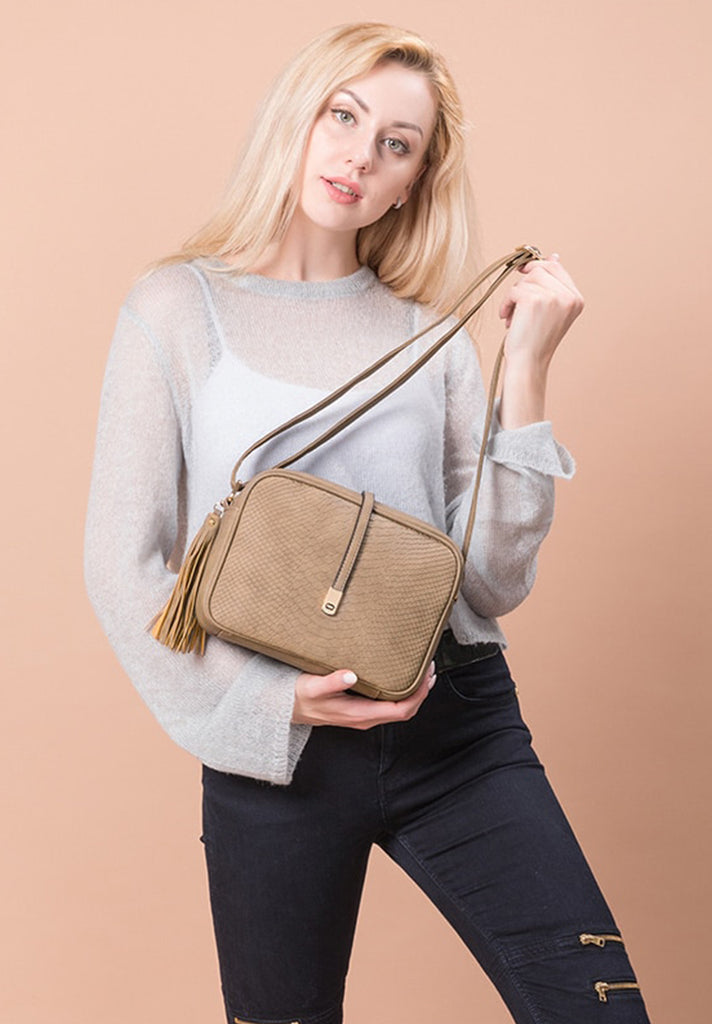 Retro Tassel Zip Crossbody Bag