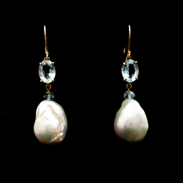 Aquamarines and Baroque Pearls in Yellow Gold Earrings - Sindur