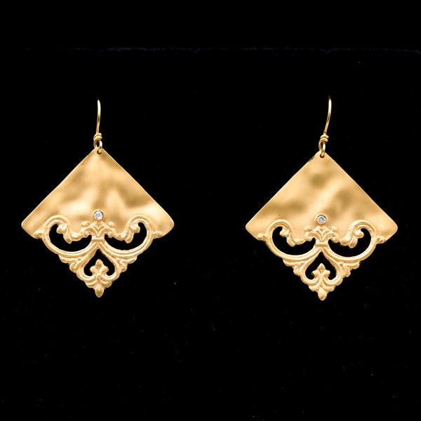 Diamonds in Satin Finish Yellow Gold Earrings - Sindur