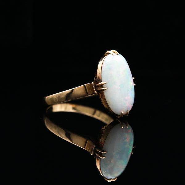 Art Deco Oval Opal in Yellow Gold Ring - Sindur