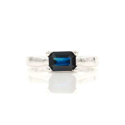 Sapphire in White Gold Solitaire Ring - Sindur