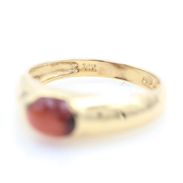 Garnet Cabochon in Yellow gold Ring