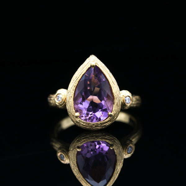 Amethyst & Diamond Texture Yellow Gold Ring