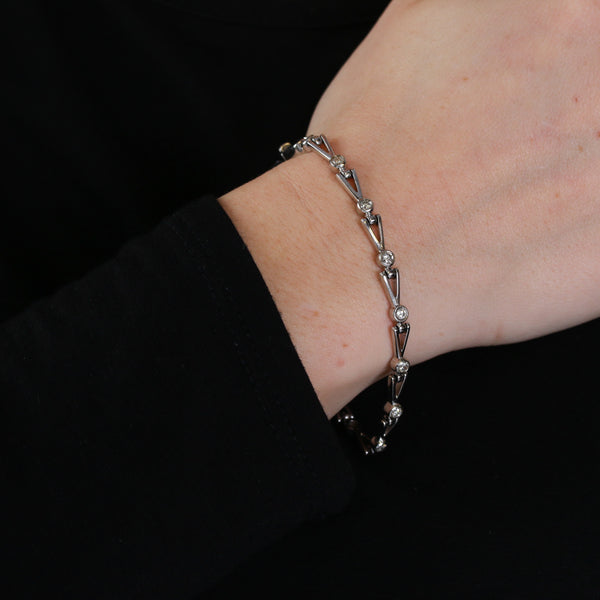 One Carat of Diamonds in Contemporary White Gold Bracelet - Sindur