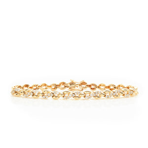 Diamonds in Stylized Yellow Gold Links Bracelet