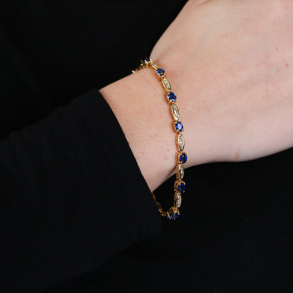 Sapphires and Diamond Baguettes in Yellow Gold - Sindur