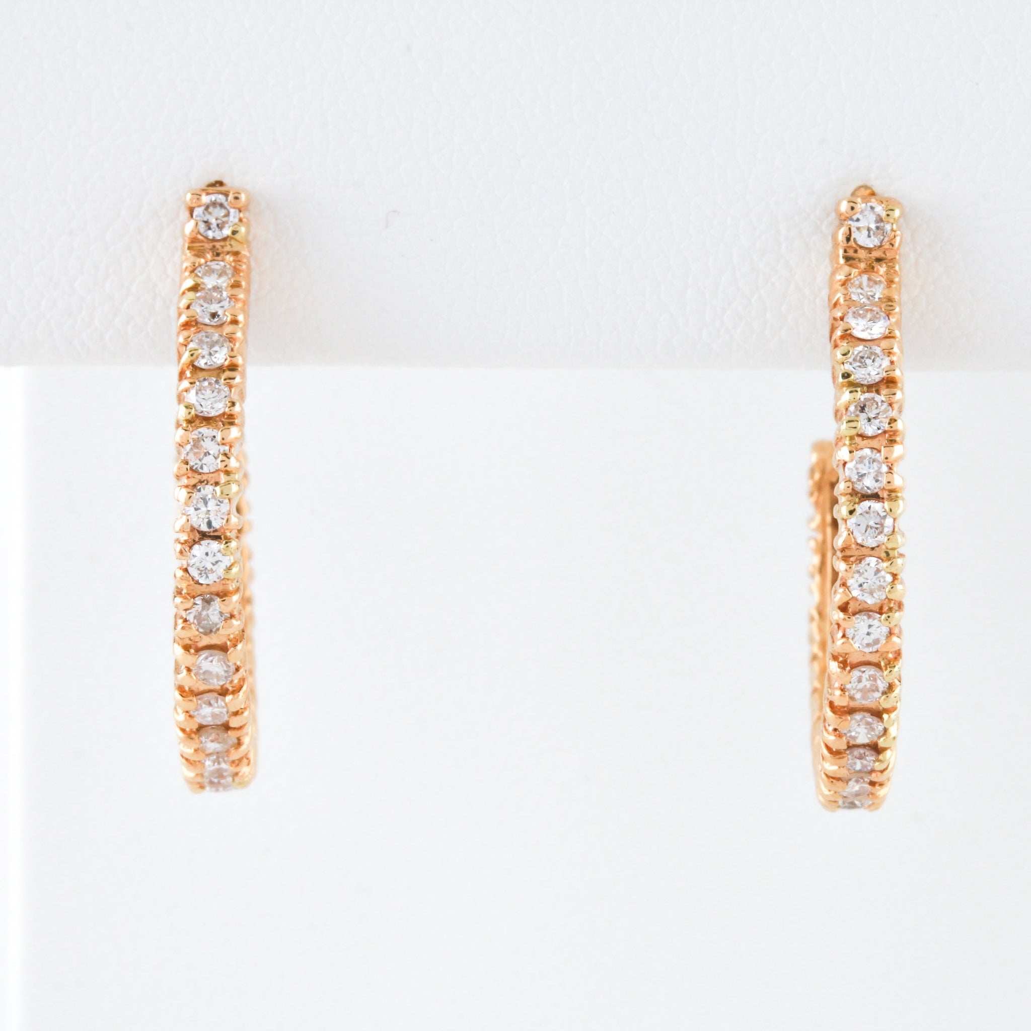 Round Diamonds in Yellow Gold Hoop Earrings