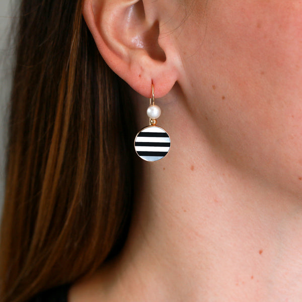 Onyx and Mother of Pearl Inlaid in Yellow Gold Earrings