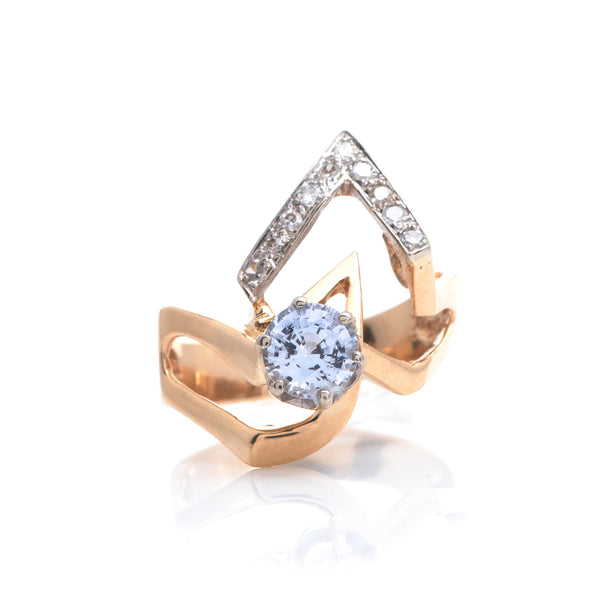 Lilac Sapphire and Diamonds in Platinum and Yellow Gold Contemporary Ring